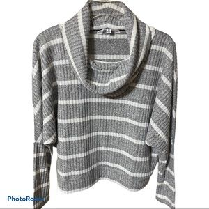 BB Dakota cropped soft, lightweight sweater